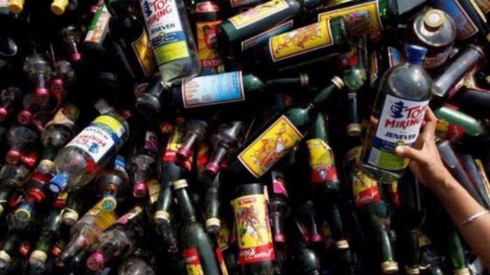 Pemilik Simpan Ratusan Botol Miras di Tengah Hutan