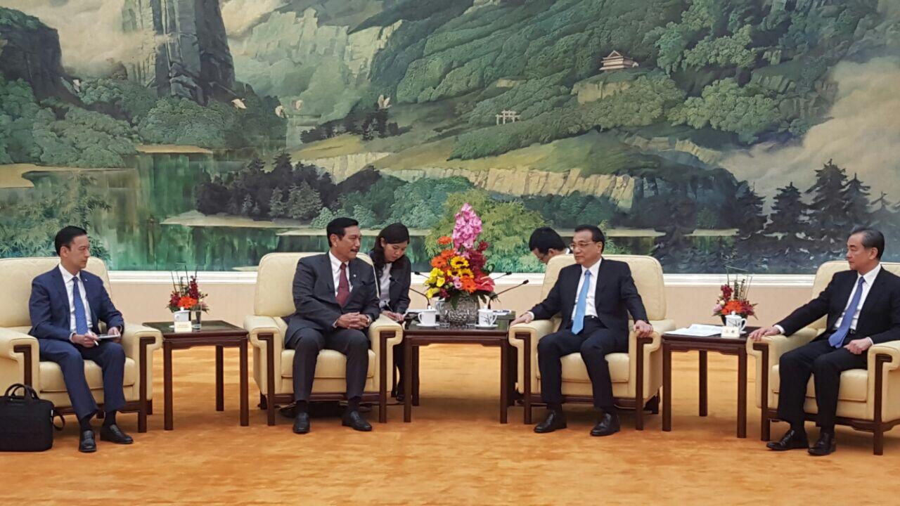 Menko Luhut: Indonesia Bisa Jadi Mediator Perang Dagang AS-Tiongkok