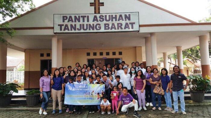 PD Alumni IISIP Jakarta Berbagi Kasih Paskah di Panti Asuhan Tanjung Barat