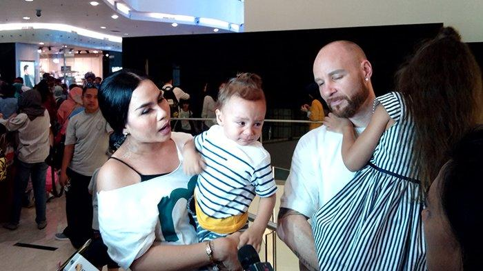 Melanie Ricardo Sering Kewalahan Ketika Anaknya Ikut Acara Fashion Show