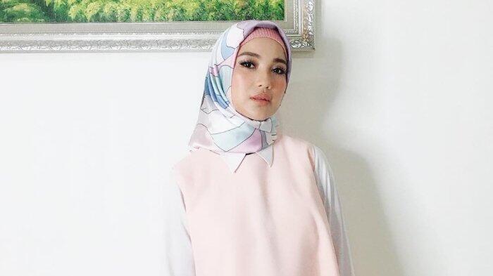 Putuskan Berhijab, Chacha Frederica Kini Punya Squad Muslimah