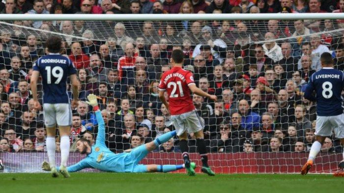 Man United Vs West Bromwich Albion: Tanpa Gol Babak Pertama, Pogba Diganjar Kartu