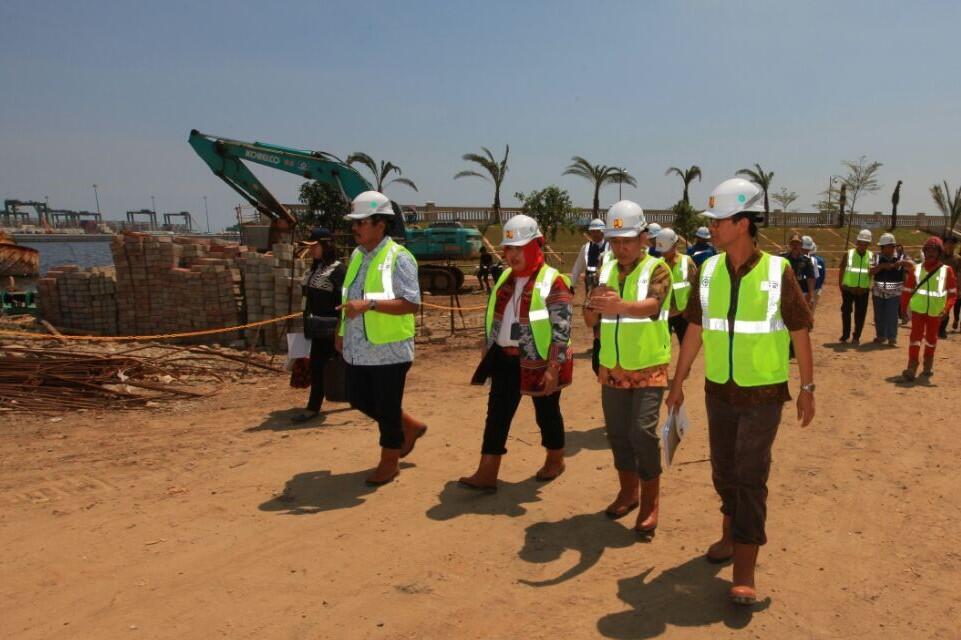 Tanggul Pengaman Pantai Jakarta Tahap II Ditargetkan Rampung Juli 2018