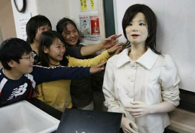 Mereka Bukan Manusia? Inilah 5 Robot Tercantik dan Tercanggih yang Pernah Diciptakan!