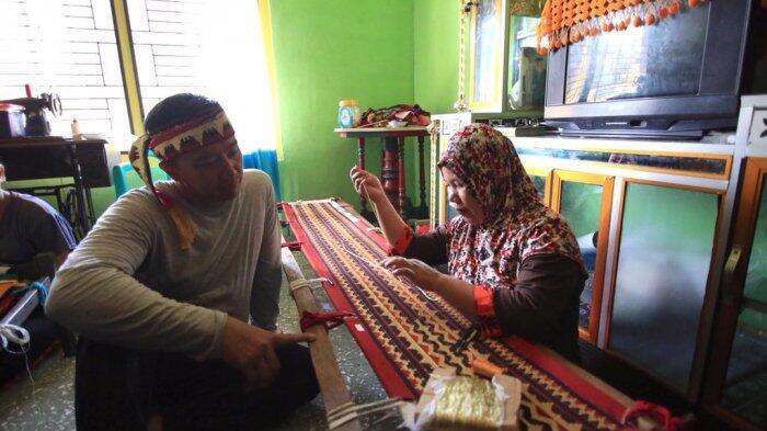 Bertemu Lumba-Lumba, Menpora Imam Nahrawi Sangat Berkesan dengan Pulau Pisang