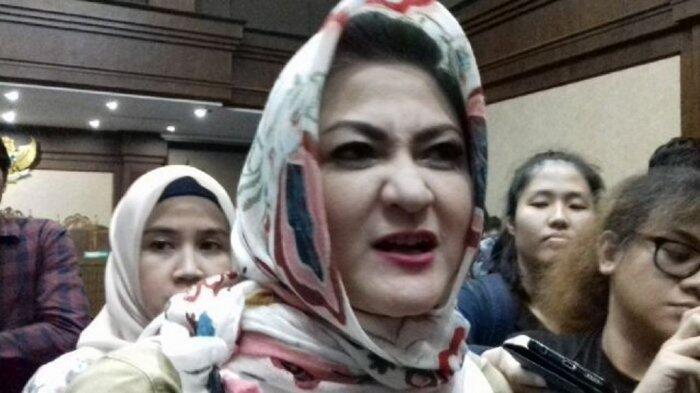 Istri Setya Novanto Bantah Suaminya Bisa Berdiri Tegak untuk Buang Air Kecil