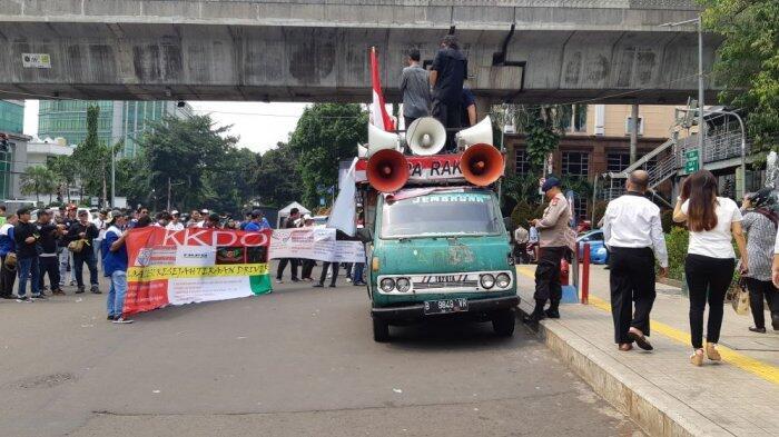 Meski Aksi Sepi, Gojek Tetap Respons Massa Driver Taksi Online