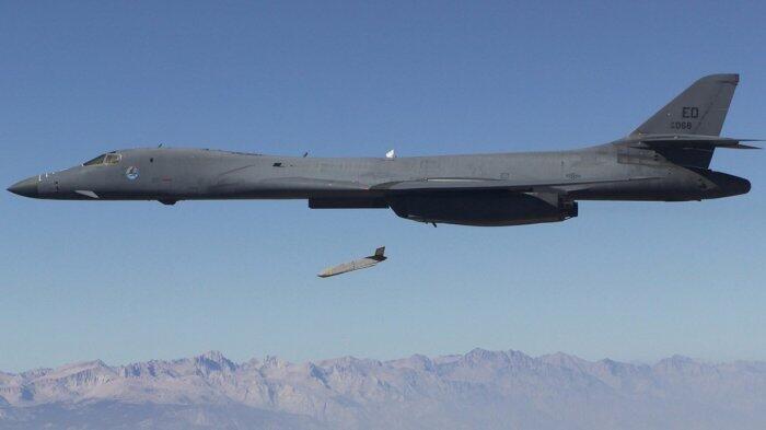 Tak Hanya Tomahawk, AS Juga Tembakkan Rudal Seharga Rp 19 M Saat Gempur Suriah