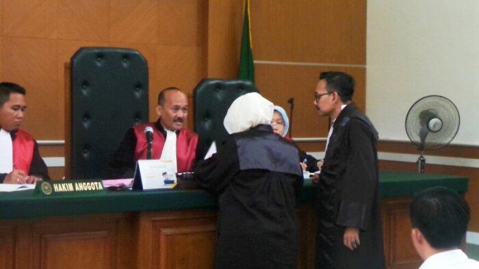 Saksi Beberkan First Travel Cantumkan Klausul Pembatalan Berangkat Umrah 5 Kali