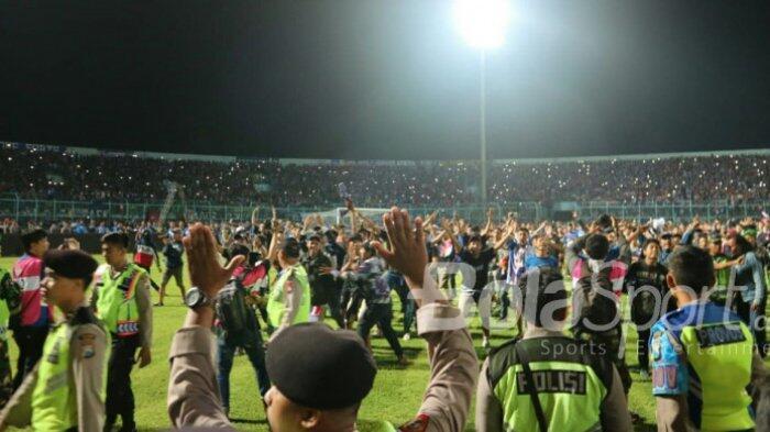 Ini Sebab Kemarahan Aremania di Laga Lawan Persib Versi Manajemen Arema FC