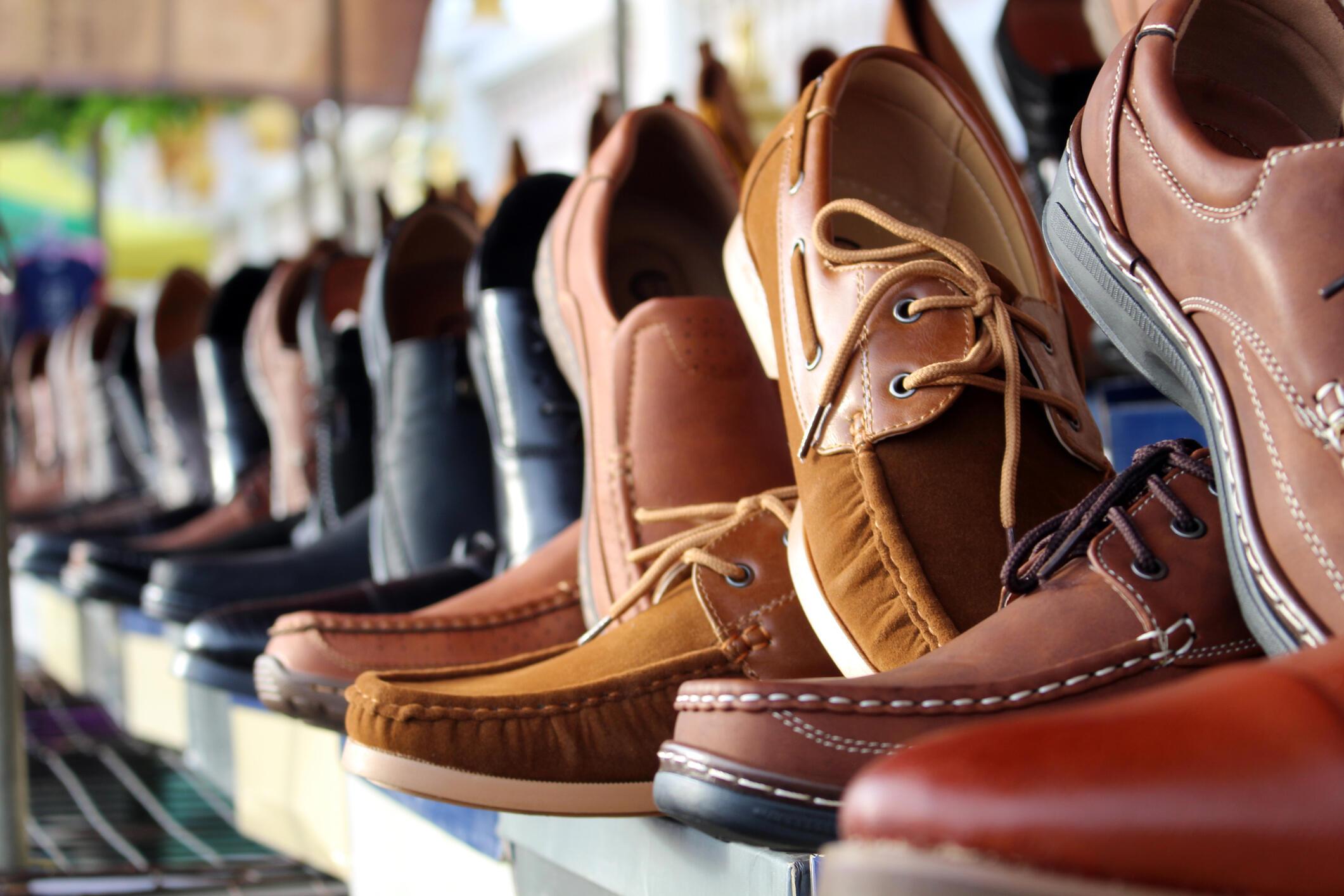 4 Cara Mudah Merawat Sepatu Kulit  d9dff0c1cd