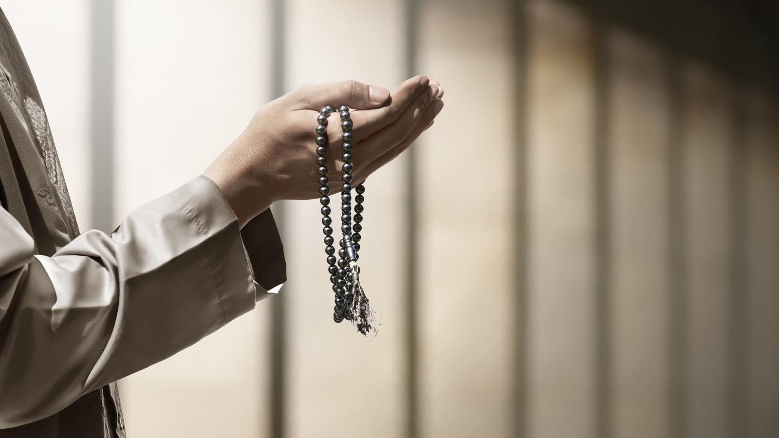 Hasil gambar untuk berdoa hd