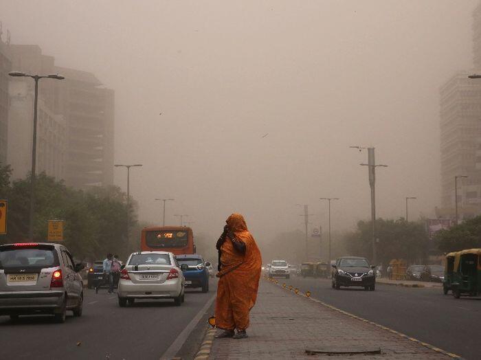 Badai debu berskala besar terjang India, tewaskan 98 orang