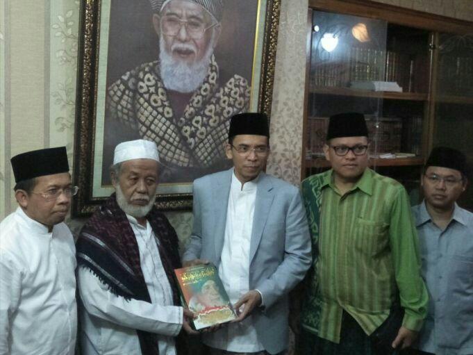 TGB Kunjungi Tokoh Ulama di Banten