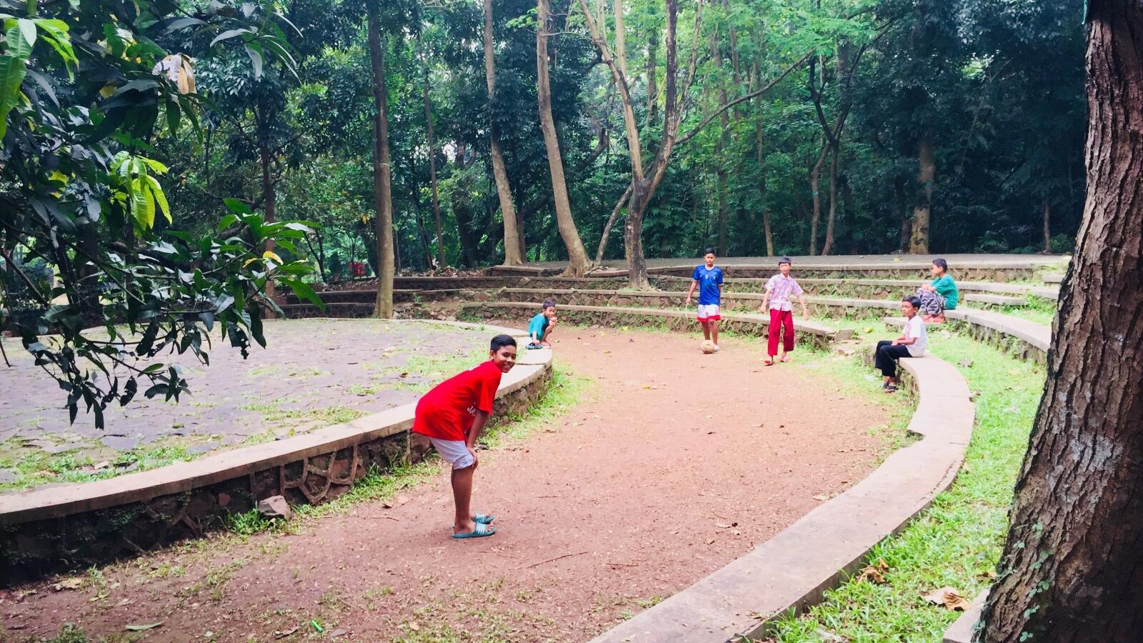 5 Aktivitas yang Bisa Kamu Lakukan di Hutan Kota Srengseng, Jakarta