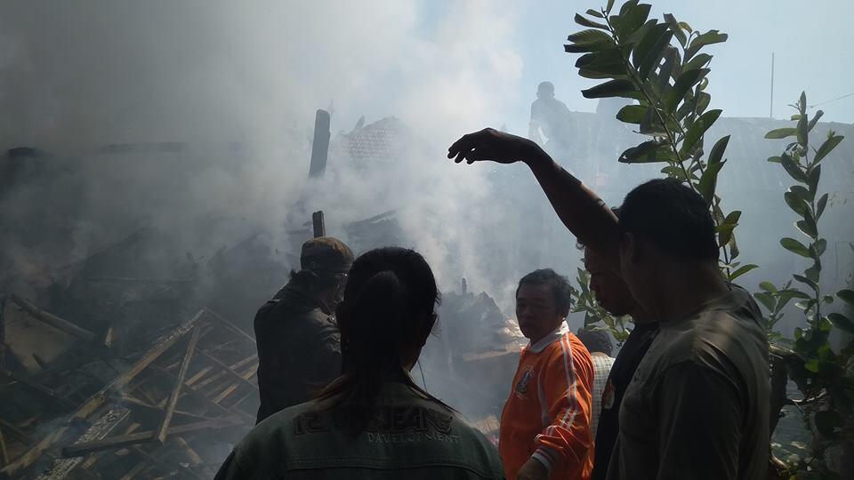 Rumah Terbakar di Pasrepan Pasuruan Akibat Tersulut Kembang Api