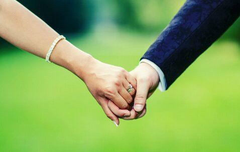 Menjaga Hubungan dengan Pasangan Semakin Langgeng