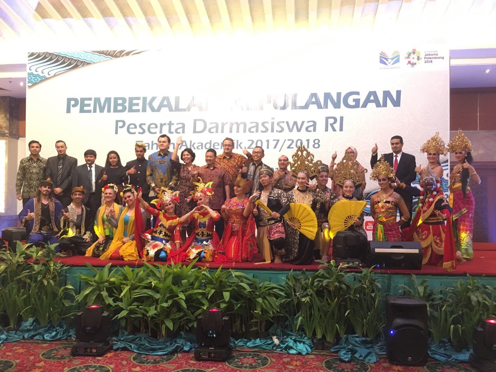 Ratusan Pelajar Asing Siap Jadi Duta Budaya Indonesia