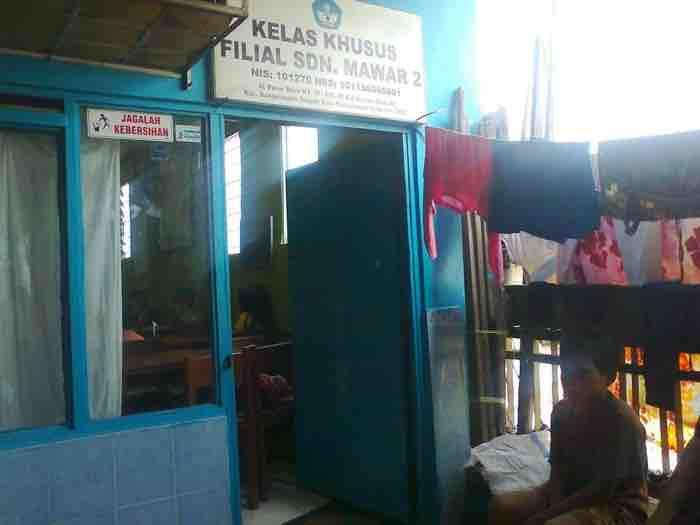 Ironi Sekolah Filial di Tengah Bangunan Pasar Lima Banjarmasin