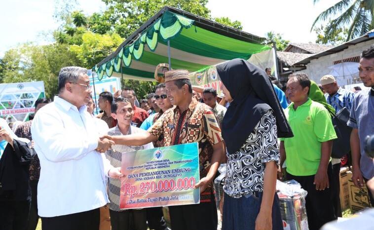 Terapkan Program Padat Karya Tunai di Desa, Jokowi Hanya Libatkan Warga
