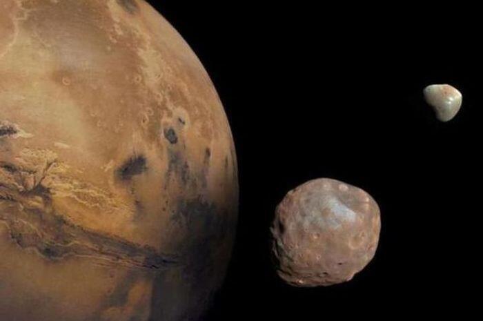 Benarkah Hantaman Pada Mars Menciptakan Phobos dan Deimos?