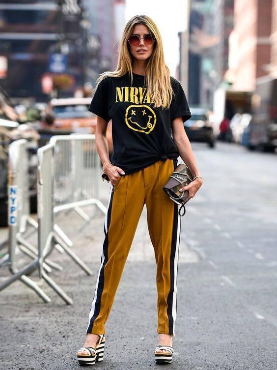 Lagi Booming, Style Track Pants Ini Bisa Ditiru. Biar Nggak Kayak Mau Jogging