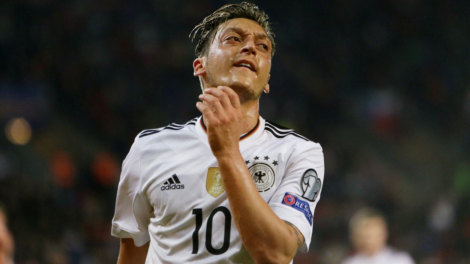 Oezil Yakin Akan Fit di Piala Dunia 2018