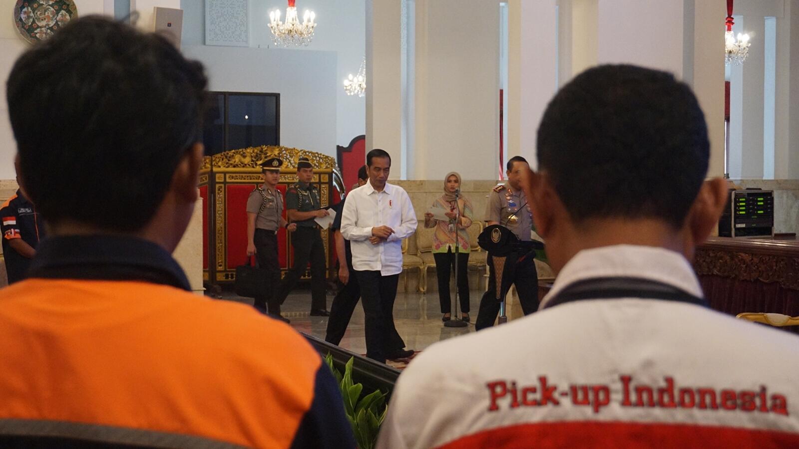Jokowi soal Pungli terhadap Sopir Truk: Disikat Semuanya
