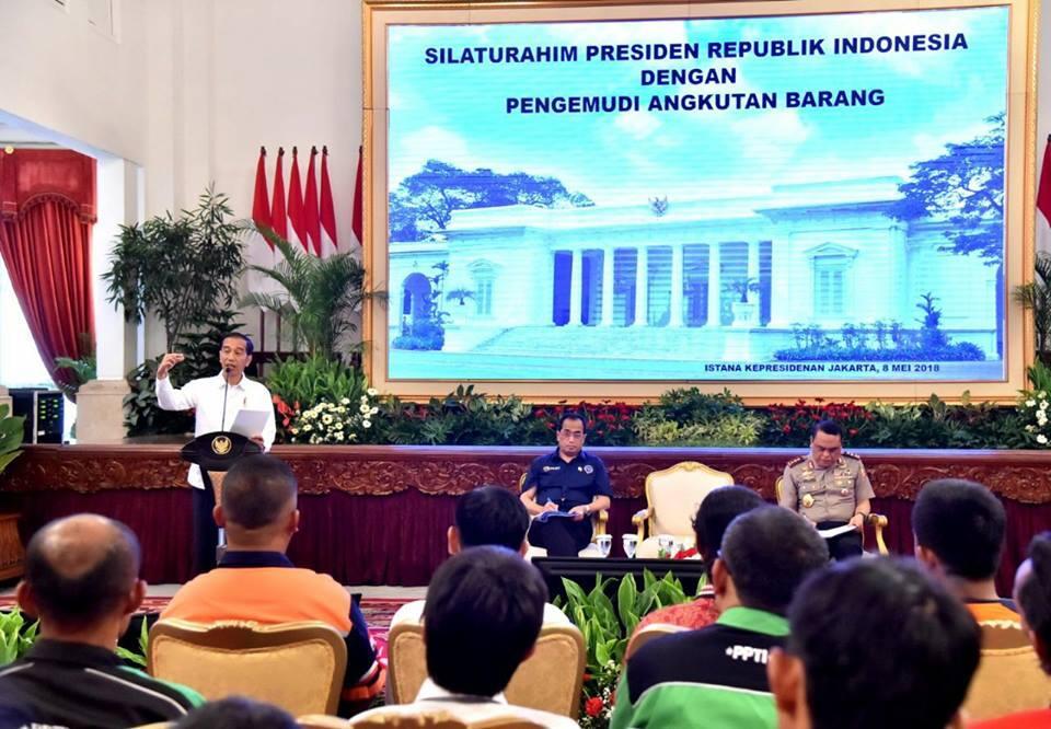 Jokowi Kaget Masih Banyak Pungli dan Premanisme kepada Sopir Truk