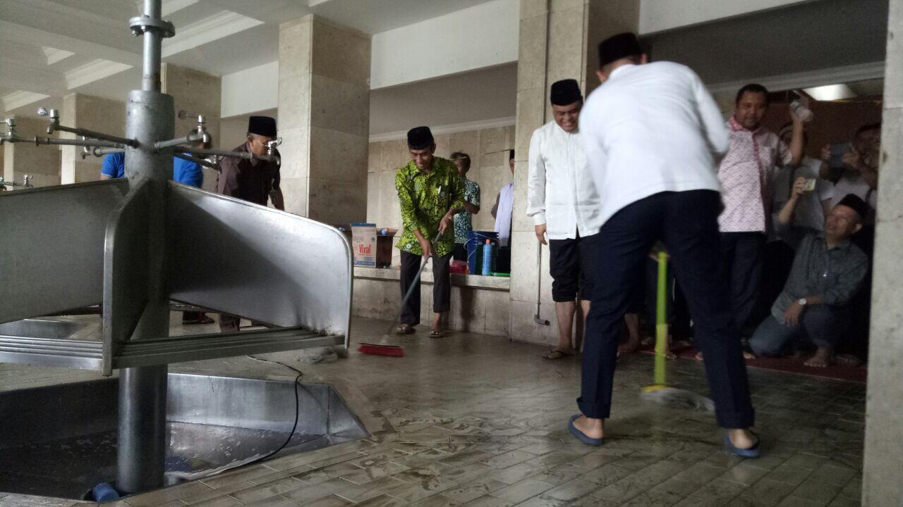 Menjelang Ramadan, DMI dan Unilever Bersih-Bersih 2 Ribu Masjid