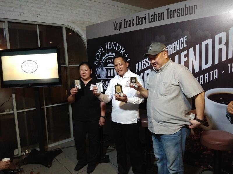 Cara Unik Buwas Berjualan Kopi Asli Indonesia