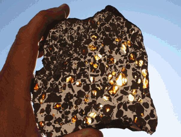 Unik, Batu Pecahan Meteor Di Temukan Di Amerika, Harganya Mahal Banget