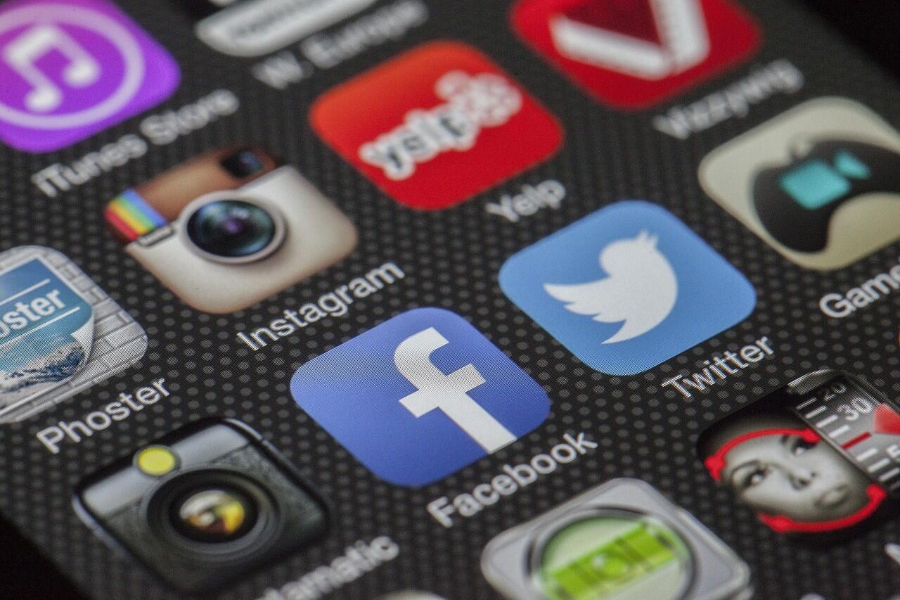 Serem !!! Ini lho 2 penyakit mental MENGERIKAN yang akibat penggunaan sosial media.