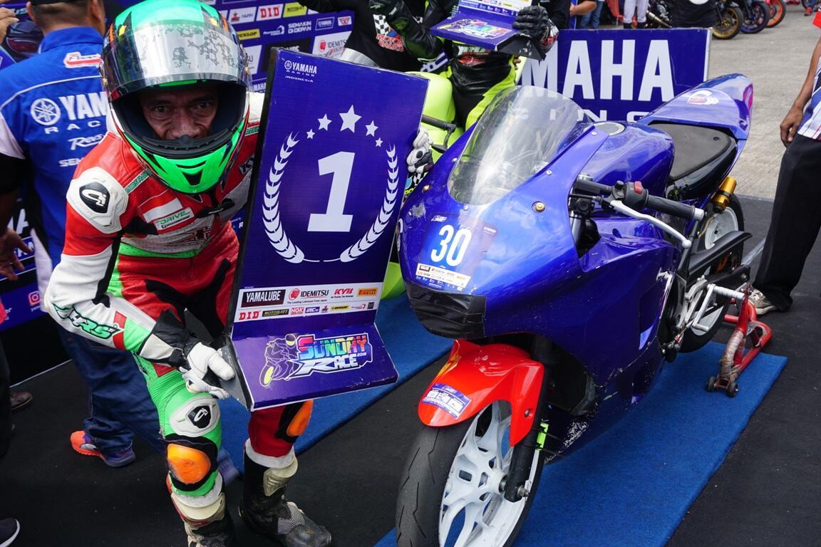 Komunitas Yamaha R25 KASKUS Juara di Yamaha Sunday Race 2018!