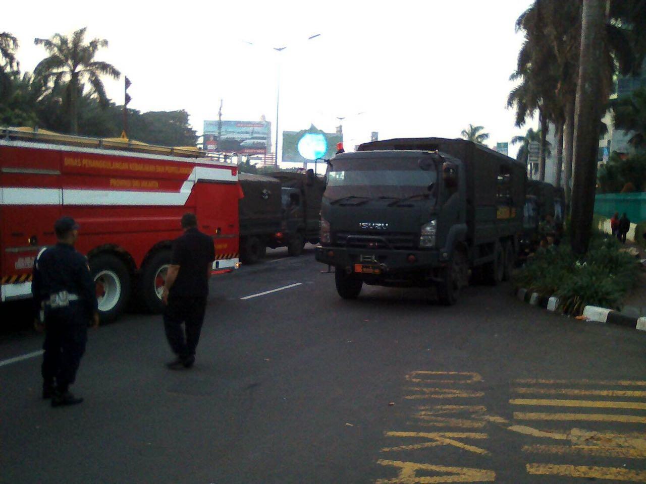 Anggota TNI Mulai Masuk Ke Mako Brimo
