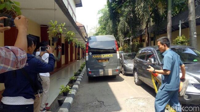 6 Kantong Jenazah Dibawa ke RS Polri dari Mako Brimob