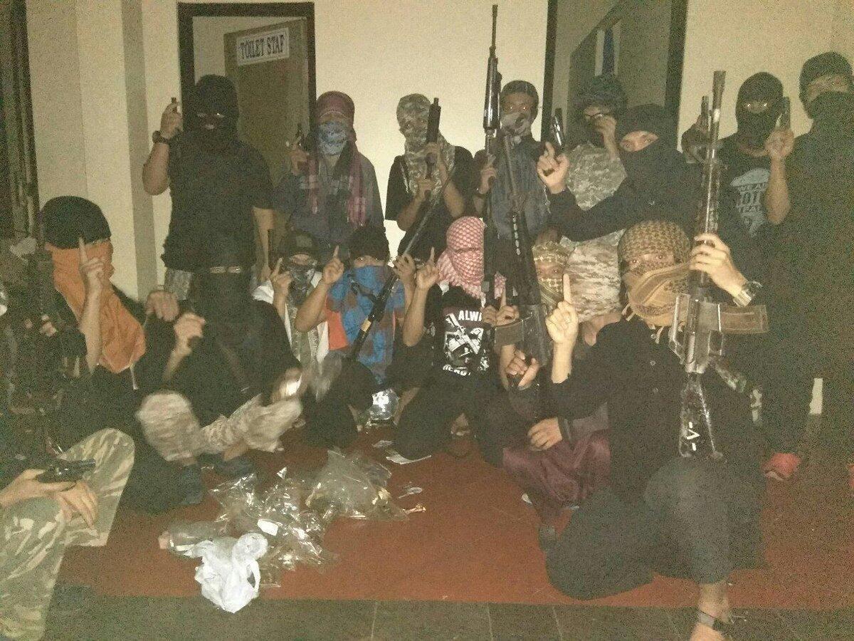 Mako Brimob Rusuh, Napi Berusaha Rebut Senjata | KASKUS