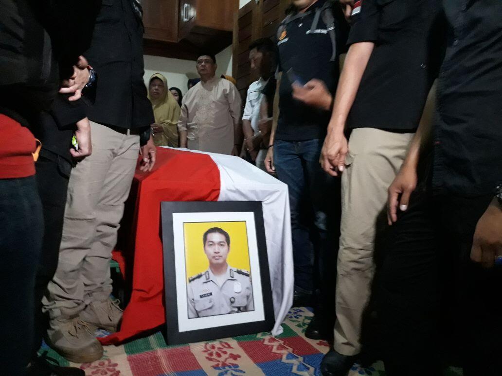 Kisah Pilu Saudara Kembar Aipda Denny Korban Insiden Mako Brimob Berdarah