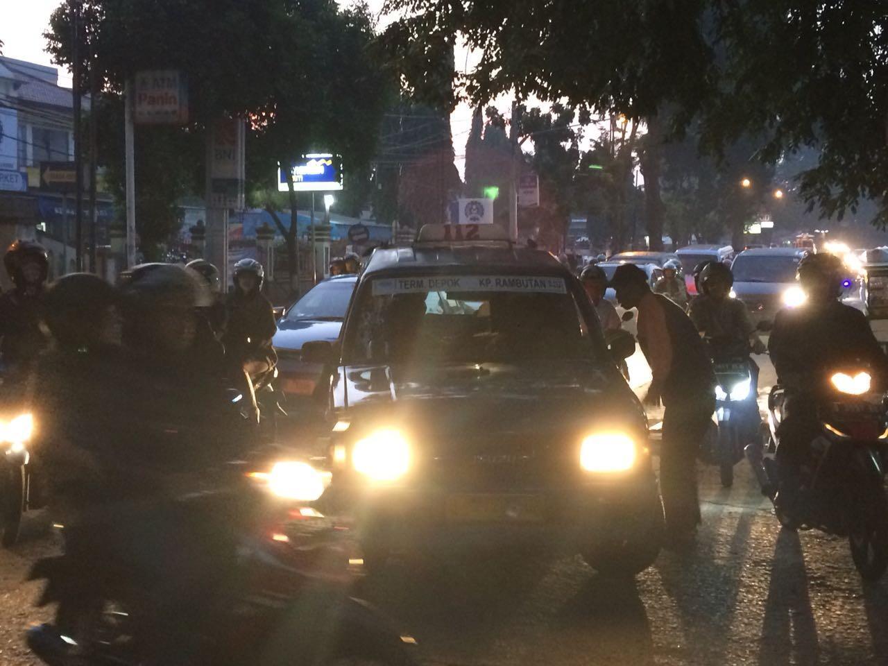 Ambulans Mondar-Mandir di Mako Brimob, Benarkah Tidak Ada Korban Jiwa?
