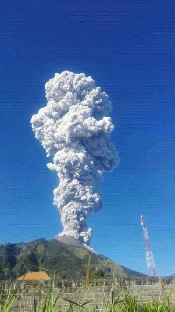 Tips Melewati Hujan Abu Vulkanik