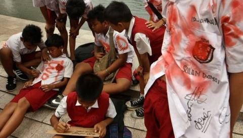 Perayaan Kelulusan Di 5 Negara Ini Lebih Bermartabat Ketimbang Di Indonesia