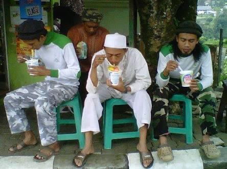 Aman Abdurrahman: Melawan karena Makanan, Masuk Neraka!