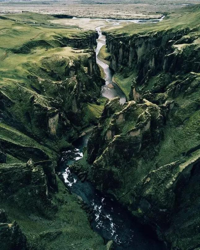 7 Pemandangan Menakjubkan di Dunia Nyata yang Hanya Ada dalam Dongeng atau Film!
