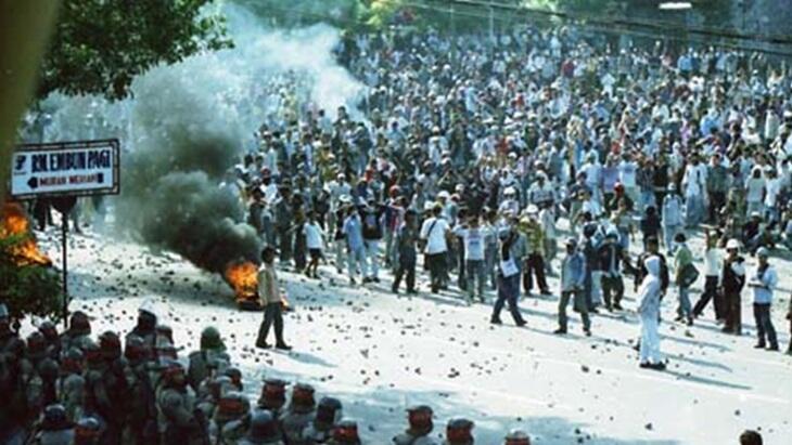13 Mei dalam Sejarah: Jakarta Dilanda Kerusuhan Massal Berbau Rasis