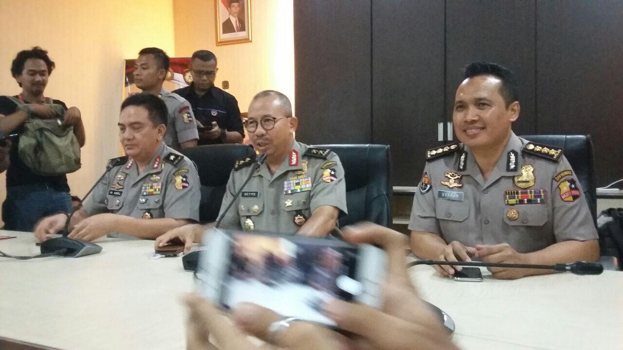 Diduga Akan Menusuk Polisi dengan Gunting, Dua Wanita Berniqab Ditangkap