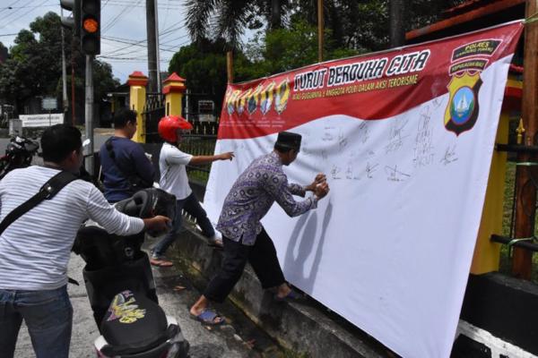 Duka Tragedi Rutan Mako BRIMOB, Juga di Rasakan Masyarakat Tanjungpinang