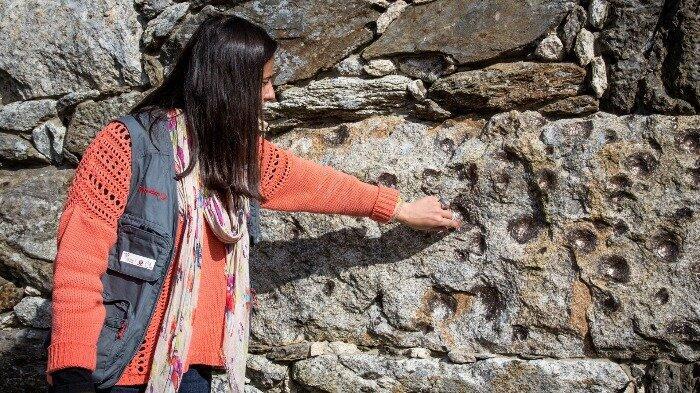 Aneh, di Portugal ada bongkahan granit raksasa yang melahirkan batu-batu anakan