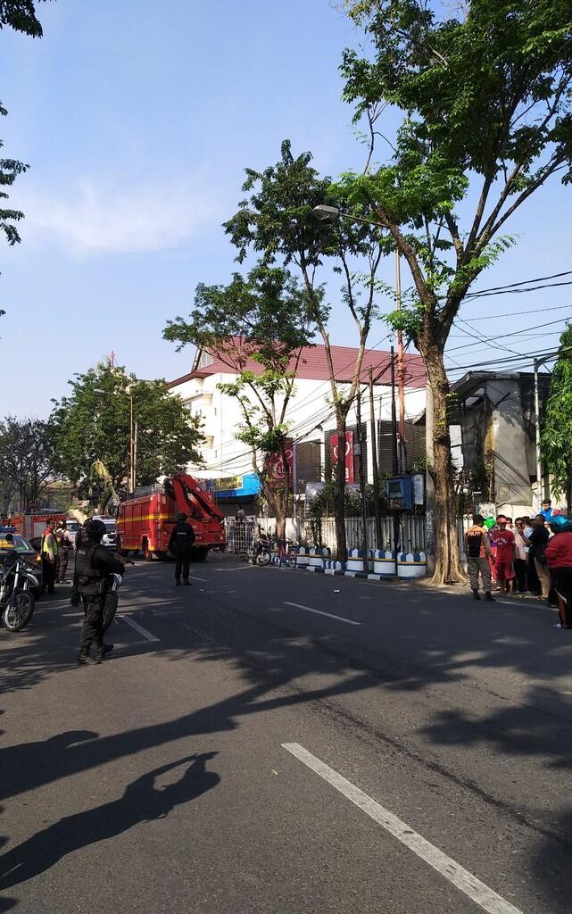 Bom Meledak di 3 lokasi di Surabaya