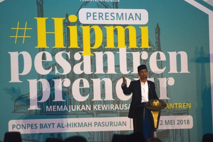 Jokowi ingin semua pesantren punya minimarket