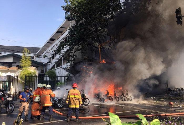 Pelaku bom diduga sekeluarga, korban tewas 13 orang